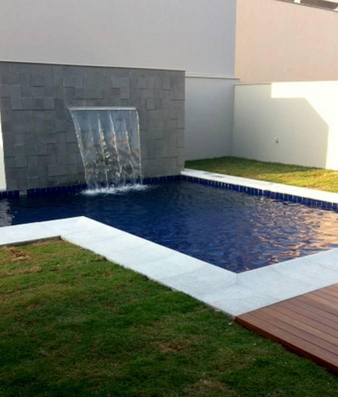 Cascata piscina parede os modelos de cascatas variam de for Piscina tubular pequena
